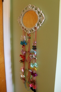 Bow holder mirror